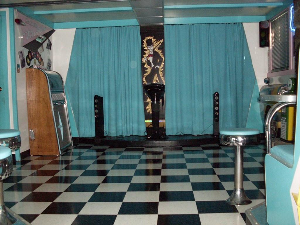 A Moment In Time - 1950\'s Retro Furniture, Decor, Laminates